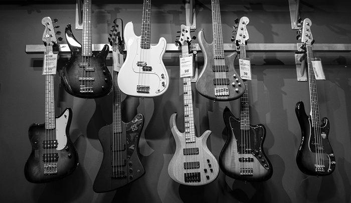 bass-700